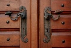 symetric door handles