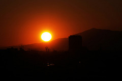 profound sunset by Toshihiro Oimatsu is licensed under a Creative Commons Attribution 4.0 International License.