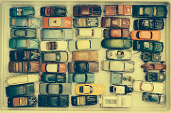Gridlock: Paris Flea Market by Nick Harris is licensed under a Creative Commons Attribution 4.0 International License.