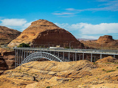 glen canyon dam by Glenn Scofield Williams ConstantinAB is licensed under a Creative Commons Attribution 4.0 International License.